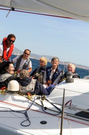 La voile n'a pas d'âge : Navigation avec des personnes âgées en maison de retraite